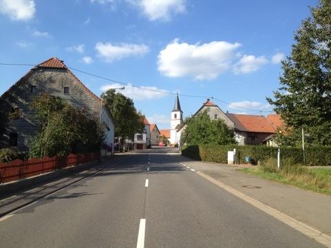 Saarland-Radweg am Ortseingang Werschweiler