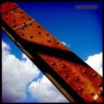 Stahlträger einer Eisenbahnbrücke