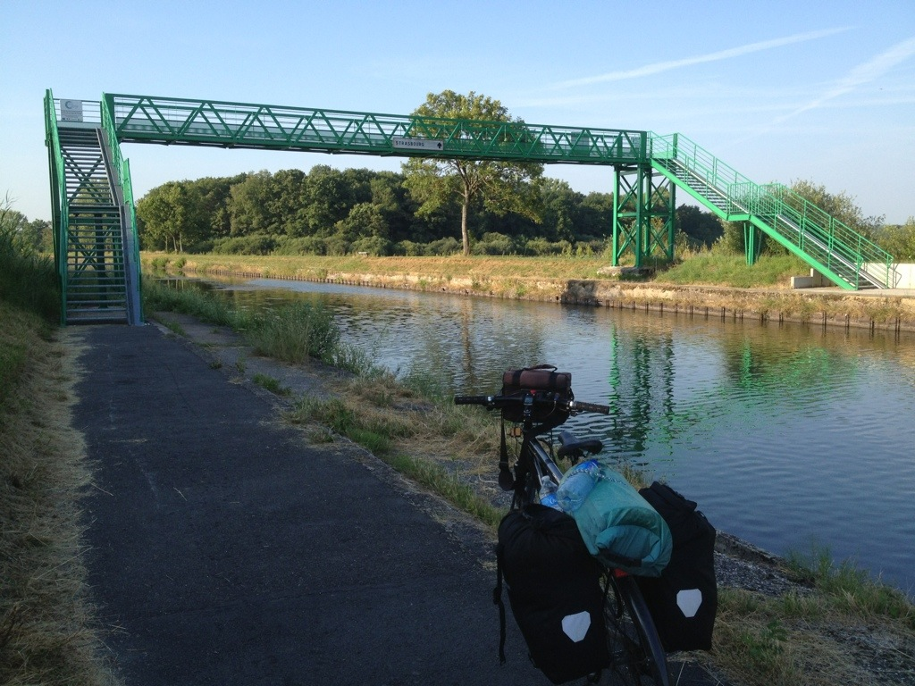 Radlerbrücke am Saarkanal