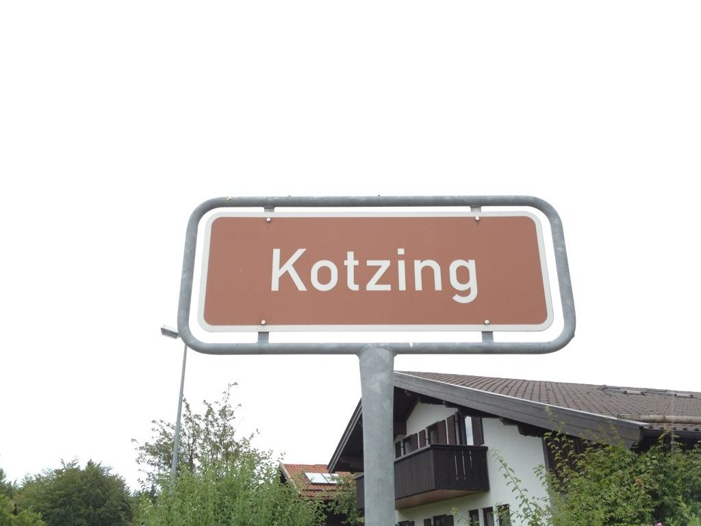 Ortsschild Kotzing