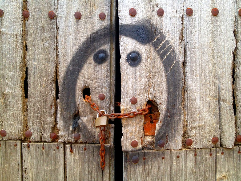 Kettensmilie - Vorhängeschloss an Kette, ummalt mit einem Smilie