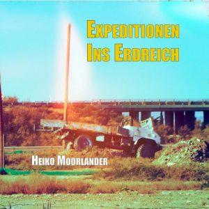 Cover der vorläufigen Heiko Moorlander Biografie - verlassener Truck auf Erdhügel im siebziger Jahre Stil, bläulich gelb verwaschene Farbtöne.