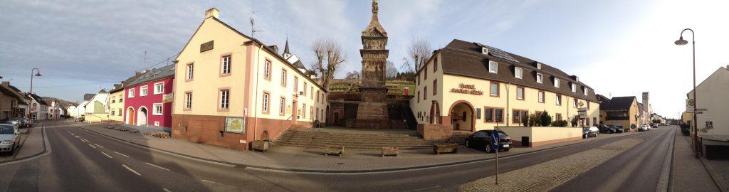 """Unesco Welterbe Igeler Säule. """"Auf dem Weg von Zweibrücken nach Zweibrücken erfreute mich bald das Monument in der Nähe von Igel"""", um es mal mit Goethe zu sagen."""