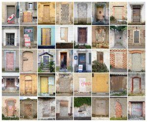 Bildcollage mit vermauerten Türen, arrangiert in acht Spalten und fünf Zeilen