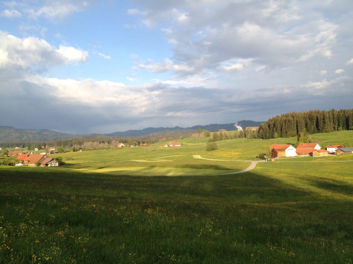 Weites, grünes Land #UmsLand Bayern