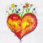 Ein gelbrotes Herz, auf dem Blumen blühen.