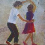 Zwei Tanzende, Mann und Frau. Die Frau trägt Rock, er führt ihre rechte Hand über ihrem Kopf zur Drehung.