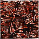 Rotweiße Struktur vor Schwarz.