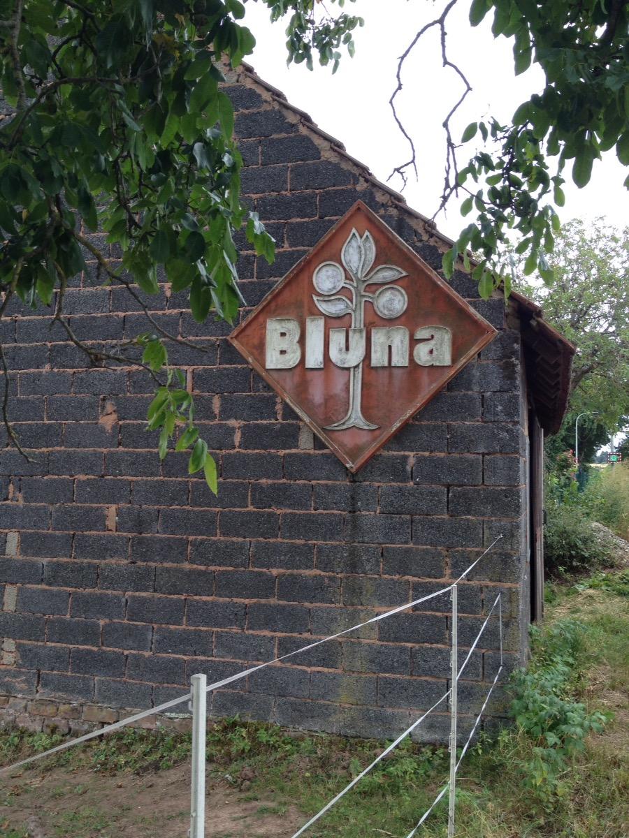 Altes Bluna-Werbeschild